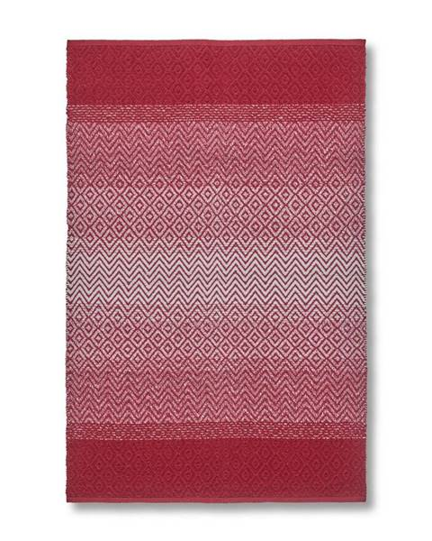 Červený koberec Möbelix